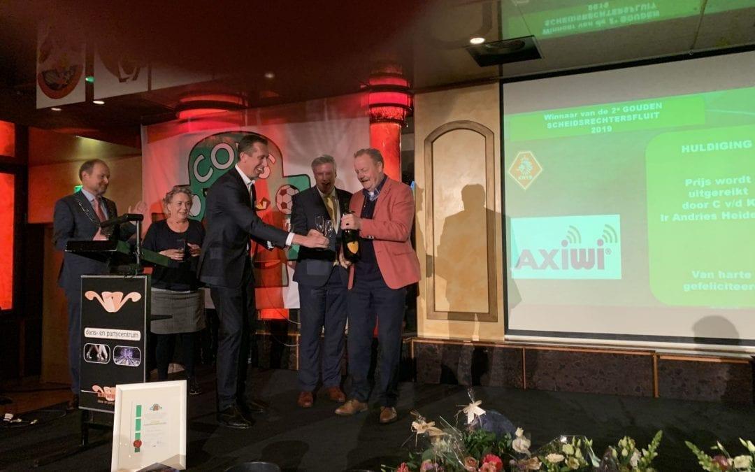 """Ab van Buuren krijgt """"AXIWI Goudenscheidsrechtersfluit"""""""